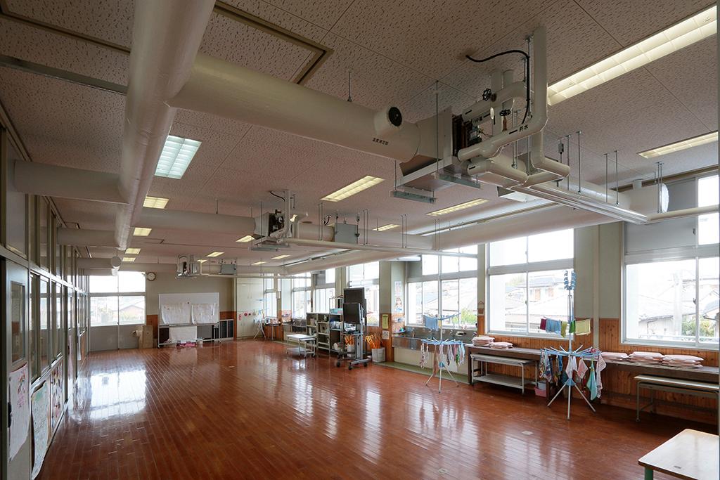 長洲町立小中学校 普通教室